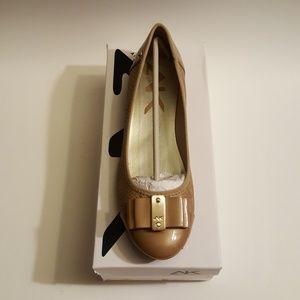 Anne Klein tan ballerina Flats